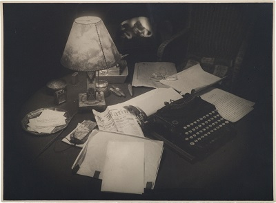 Akseli_Gallen-Kallelas_desk_arranged_by_his_son_Jorma_after_his_death_(27657945110)